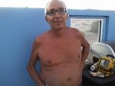 Tom Hakim 32