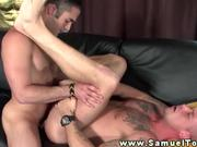 Gay muscle gets his ass filled