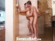 ShowerBait Shower spy hunk gets his nut off